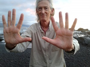 Qigong - Opening the palm gate and extending the fingers to open all the channels